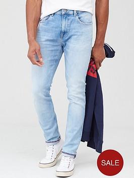 tommy-jeans-austin-slim-tapered-jean-court-light-blue