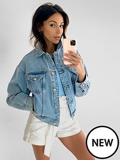 michelle-keegan-cropped-elasicated-back-denim-jacket