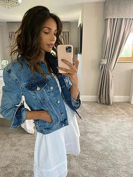 Michelle Keegan Michelle Keegan Classic Boyfriend Fit Denim Jacket - Blue Picture