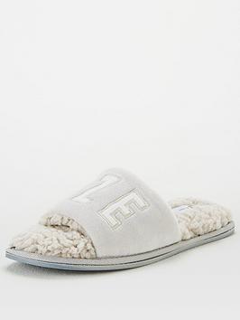 v-by-very-snooze-slipper-bag-set-grey