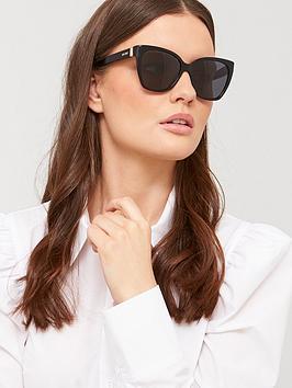 moschino-oversized-sunglasses