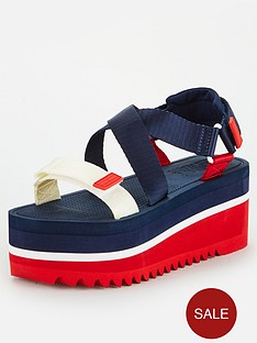 tommy-jeans-pop-colour-flatform-sandal-navy