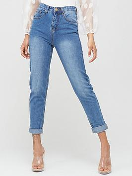 Boohoo    High Rise Mid Wash Mom Jeans - Blue