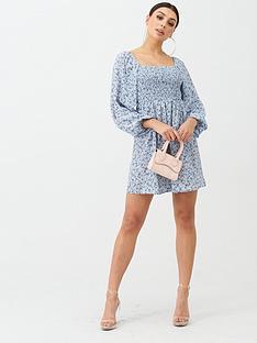boohoo-smock-blue-floral-mini-dress-blue