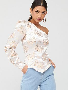 in-the-style-in-the-style-oriental-one-sleeve-top-gold