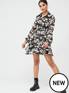 in-the-style-in-the-style-x-stephsa-black-floral-print-button-down-tiered-day-dress-blackwhitefloral