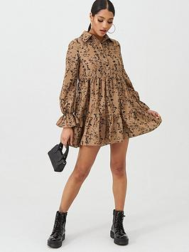 in-the-style-in-the-style-x-billie-faiers-floral-print-smock-dress-stone