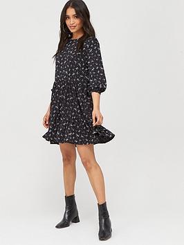 Boohoo Boohoo Boohoo Ditsy Print Tiered Smock Dress - Black Picture