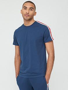 very-man-sports-tape-short-sleeve-t-shirt-navy