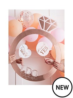ginger-ray-rose-gold-ring-photo-booth-frame