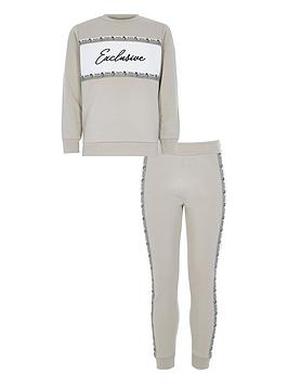 river-island-boys-exclusive-sweat-and-jog-pant-set-stone