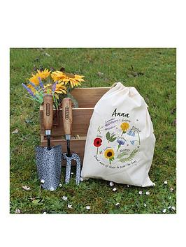 signature-gifts-personalised-save-the-bees-gardening-tool-set