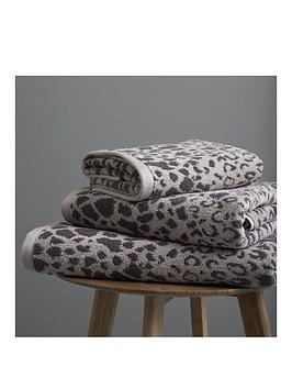 Catherine Lansfield Catherine Lansfield Leopard 2 X Hand Towel Picture