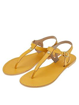 Accessorize   Charm Detail Sandals - Tan