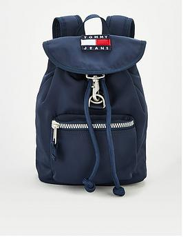 tommy-jeans-heritage-flap-backpack
