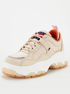 tommy-jeans-flatform-shoe-stone