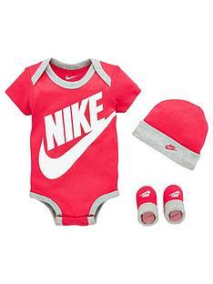 nike-younger-babynbspfutura-logo-hatbodysuitbootie-3-piece-pink