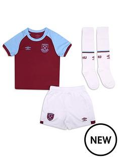 umbro-umbro-west-ham-2021-mini-kit