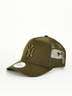 new-era-diamond-era-new-york-yankees-trucker-khaki