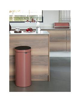 Brabantia   30-Litre Touch Bin &Ndash; Terracotta Pink