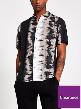 river-island-short-sleeve-mono-abstract-print-shirt-black