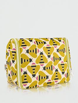 Orla Kiely Orla Kiely Busy Bee Hanging Wash Bag Picture
