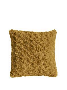 gallery-woodlander-faux-fur-cushion