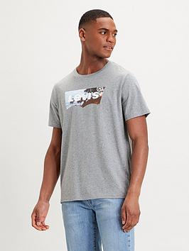 levis-housemark-batwing-graphic-t-shirt
