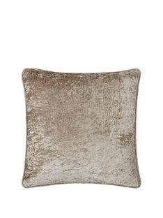 maison-morgan-crushed-velvet-cushion