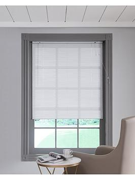Very Aluminuim Venetian Blind In White Picture