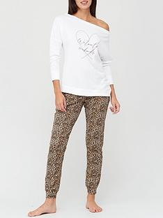 v-by-very-slogan-slouchy-pyjamas-animal-print