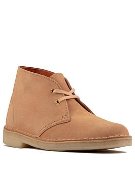 clarks-originals-desert-boot-ankle-boot-sand