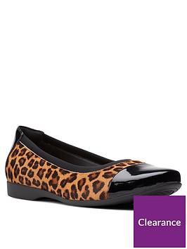 clarks-un-darcey-cap2nbspballerina-leopard-print