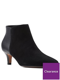 clarks-linvale-sea-wide-fit-ankle-boot-black