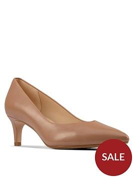 clarks-laina55-court2-heled-shoe-taupe
