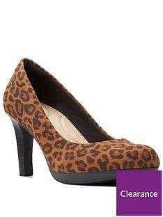 clarks-adriel-viola-court-shoe-leopard-print