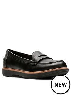 clarks-raisie-eletta-loafer