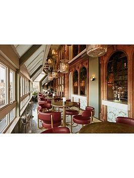 virgin-experience-days-sharing-platter-with-champagne-at-harrods-perrier-jouet-champagne-bar-london-for-two