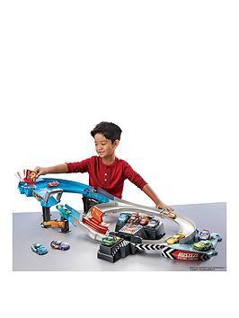disney-cars-disney-pixar-cars-rusteze-racing-center-playset