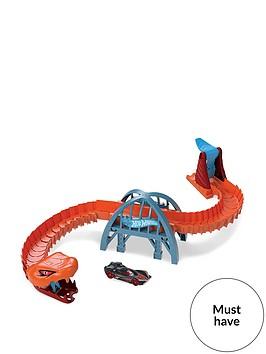 hot-wheels-viper-bridge-attack-playset