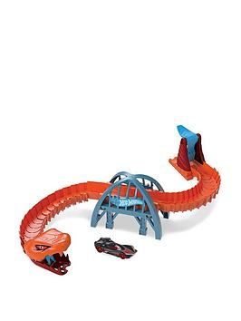 Hot Wheels Hot Wheels Viper Bridge Attack Playset Picture