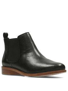 clarks-taylor-shine-wide-fit-chelsea-ankle-boot-black
