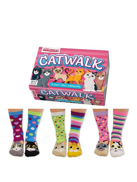 united-oddsocks-catwalk