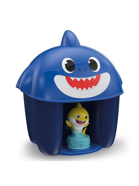 baby-shark-bucket-with-characters