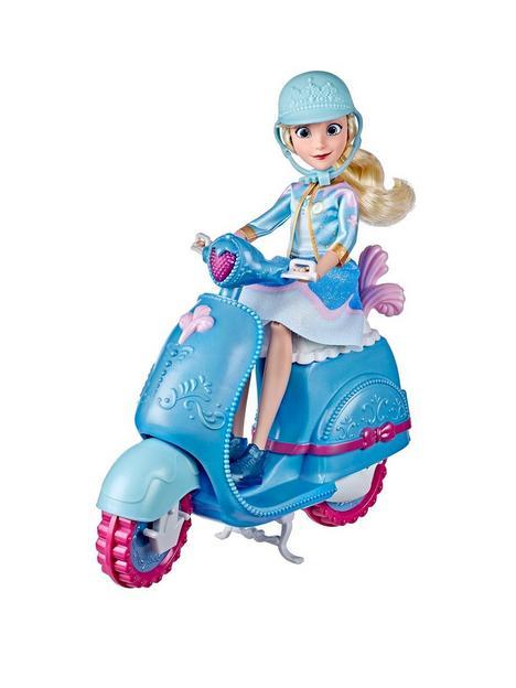 disney-princess-comfy-squad-cinderellas-sweet-scooter