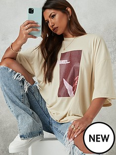 missguided-angel-graphicnbspoversized-t-shirt-stone