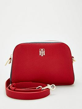 tommy-hilfiger-essence-crossover-corp-bag-red