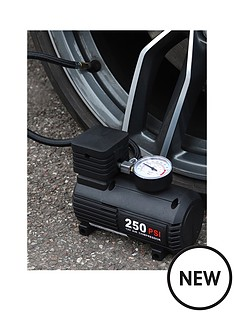 streetwize-accessories-12v-compact-air-compressor-with-gauge