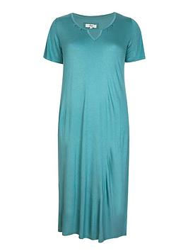 evans-green-keyhole-nightdress