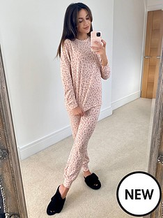 michelle-keegan-soft-touch-slouchy-pyjama-set-animal